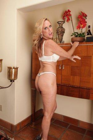 Jodi Strips Off White Lingerie Photo Sets Image
