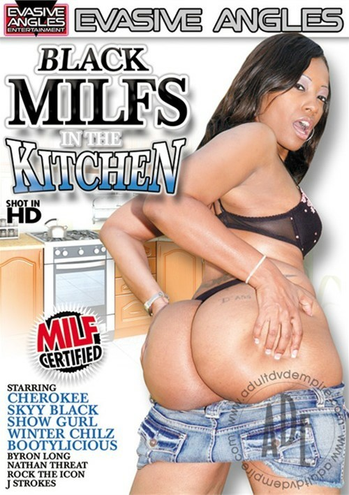 Milfs in the kitchen